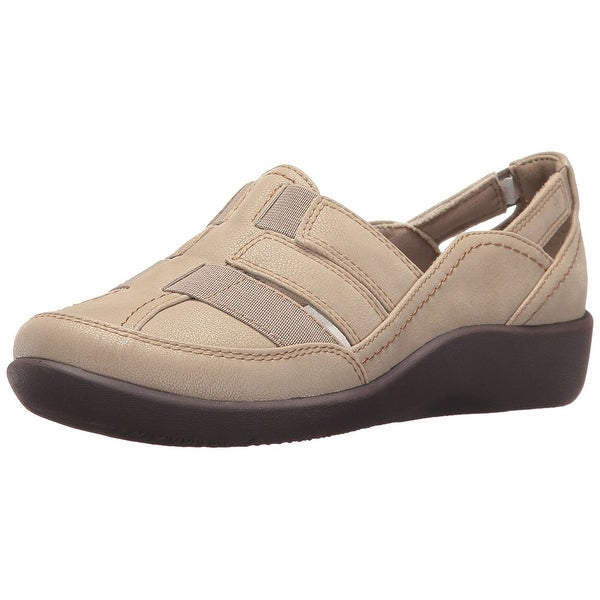 CLARKS Womens Sillian Stork Closed Toe Casual Sport Sandals