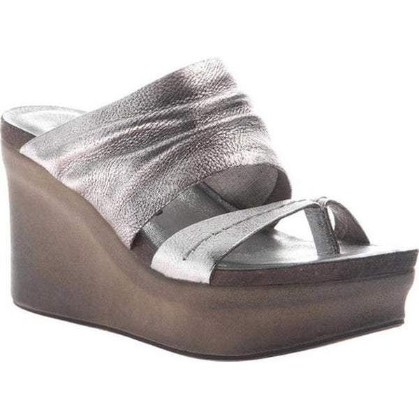 83076288e32 Shop OTBT Women s Tailgate Heeled Sandal Silver Leather - Free Shipping  Today - Overstock.com - 20747132