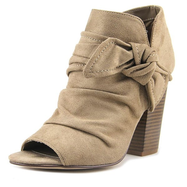 Indigo Rd. Izador Light Gray Boots