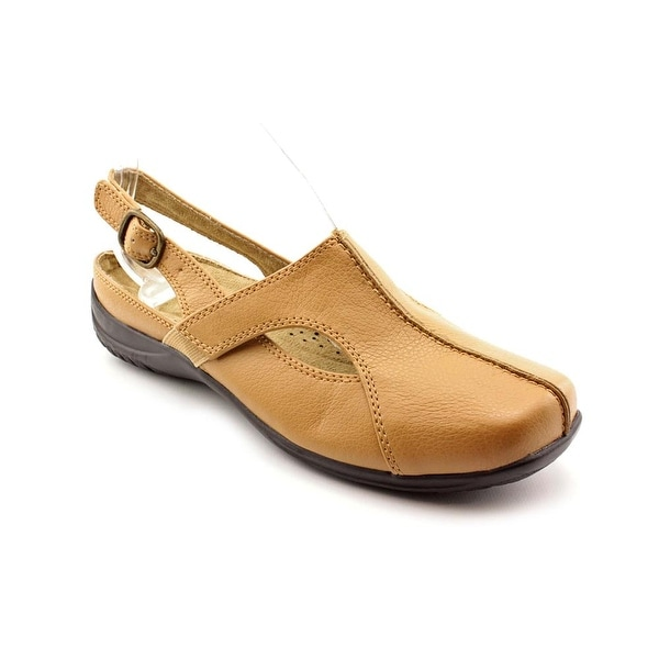 Easy Spirit Sportster Women Tan Pumps