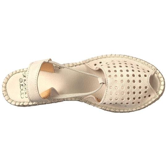 cbdb639e515 Shop André Assous Womens Corrine Peep Toe Casual Platform Sandals ...