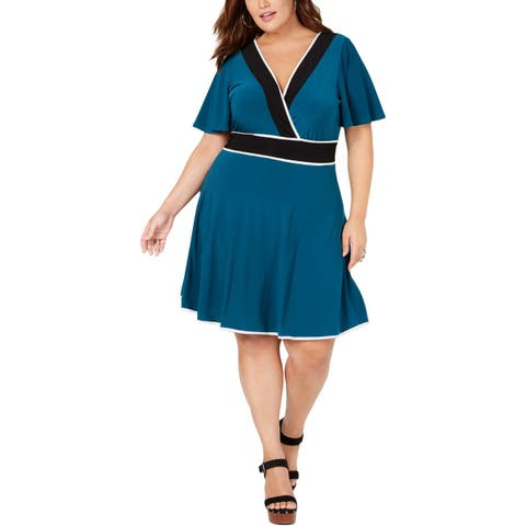 Love Squared Womens Plus Wrap Dress Knee-Length Contrast Trim