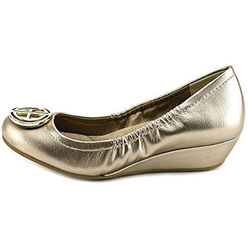 Giani Bernini Womens SKOUTT Leather Closed Toe Wedge Pumps