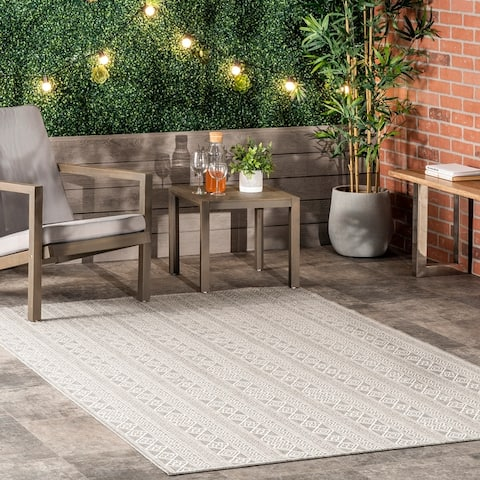 nuLOOM Devon Geometric Stiped Indoor/Outdoor Area Rug