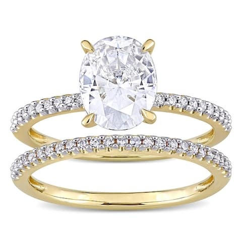 Miadora 2ct DEW Oval-Cut Moissanite and 1/4ct TDW Diamond Bridal Ring Set in 14k Yellow Gold