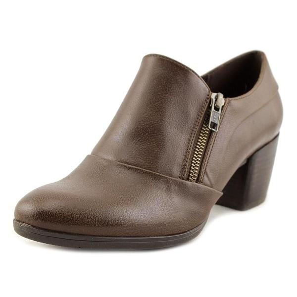 Baretraps Kelyn Women Brown Loafers