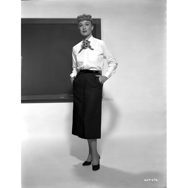 fc52df0fb30 Shop Eve Arden on Long Sleeve Top With Hands on Pocket Photo Print - Free  Shipping On Orders Over  45 - Overstock - 25469512