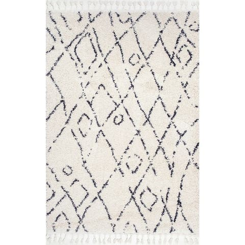 The Curated Nomad Vanlose Abstract Moroccan Diamond Tassel Shag Rug