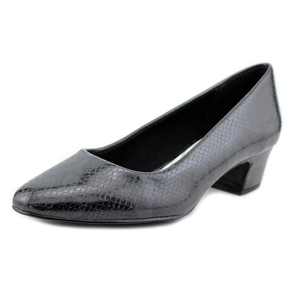 Easy Street Womens Prim Closed Toe Classic Pumps