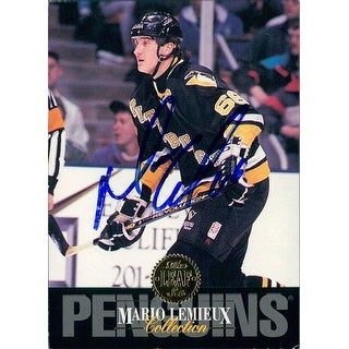 Signed Lemieux Mario Pittsburgh Penguins 1993 Leaf Hockey Card Light Smudging of the signature auto