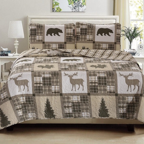 Great Bay Home 3-Piece Reversible Lodge Printed Quilt Set with Shams. Opens flyout.