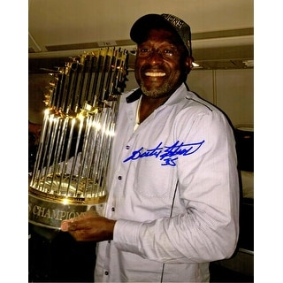 Lester Strode Chicago Cubs Holding 2016 World Series Trophy 8x10 Photo