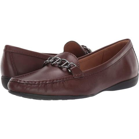 Driver Club USA Women's Leather Chain Detail Driving Loafer