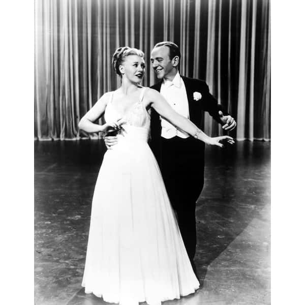 Shop Fred Astaire And Ginger Rogers Dancing Photo Print Overstock 25399382