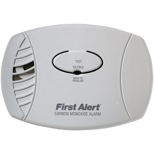 First Alert Co600 Carbon Monoxide Plug-In Alarm (No Backup Or Display)