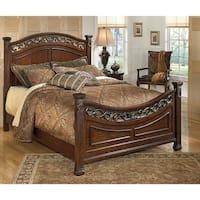 Leahlyn Queen Panel Footboard Warm Brown Leahlyn Queen Panel Footboard Warm Brown