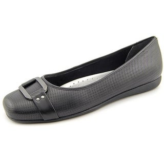 Trotters Sizzle Signature Women Round Toe Leather Black Flats