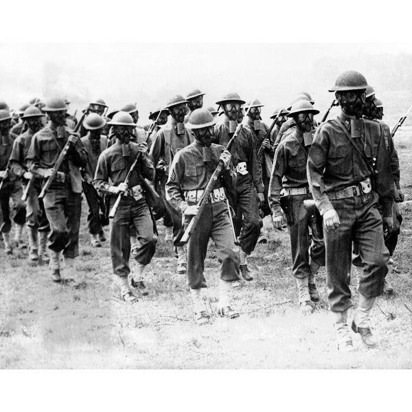US Troops Of The 5Th Division Training In Summer 1941 Soldiers Are Trained  For Chemical Warfare And Hand Grenade Attack These Tr