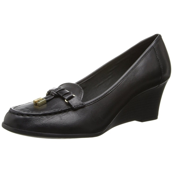 Ralph Lauren Womens RORY Leather Closed Toe Wedge Pumps