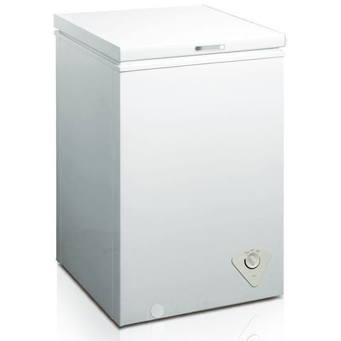 "Arctic King BWC1048 22"" Wide 3.5 Cu. Ft. Chest Freezer with Removable Storage Basket - White"