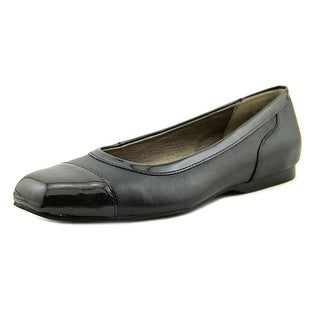 Array Madison Women Navy Flats