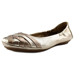 Me Too Fantasy Women Round Toe Leather Gold Flats
