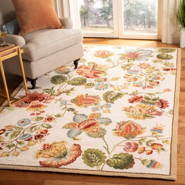 SAFAVIEH Handmade Chelsea Nataly French Country Floral Wool Rug. Opens flyout.