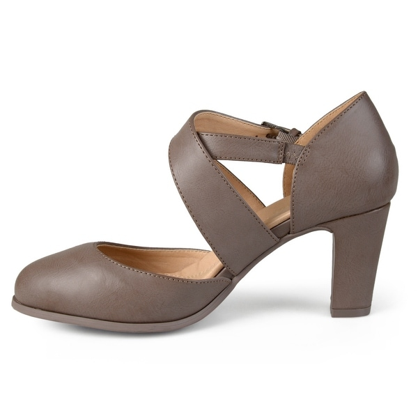 Journee Collection Womens ainsli Almond Toe Casual Ankle Strap Sandals - 5