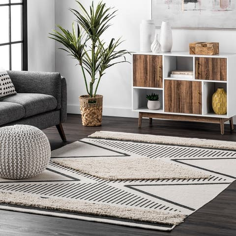 nuLOOM Atlee Hand Woven Textured Shaggy Cotton Area Rug
