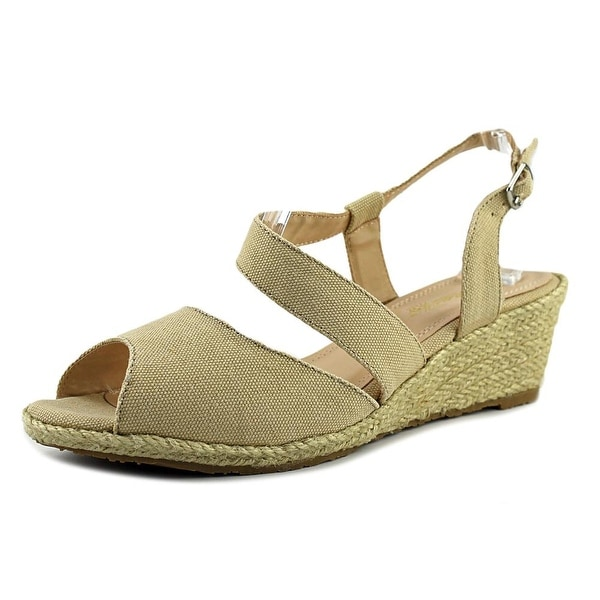 Beacon Bonita Women Khaki Sandals