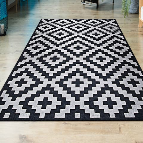 Hampton Ionic Black-White Indoor/Outdoor Area Rug