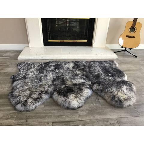 "Dynasty Natural 3-Pelt Luxury Long Wool Sheepskin White with Black Tips Shag Rug - 3' x 4'6"""