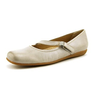 Trotters Simmy W Round Toe Leather Mary Janes