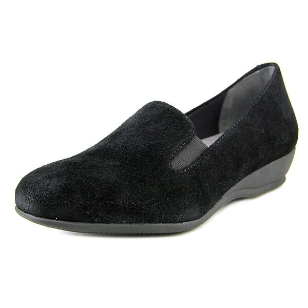 Trotters Lamar Women Round Toe Suede Black Loafer