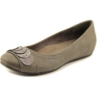 Easy Street Charlotte N/S Round Toe Synthetic Flats