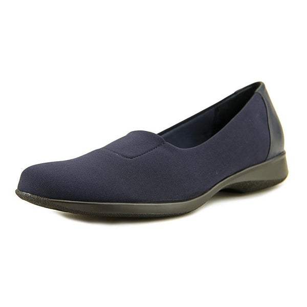 Trotters Jake Round Toe Canvas Loafer