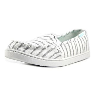 Roxy RG Lido III Youth Round Toe Canvas White Loafer|https://ak1.ostkcdn.com/images/products/is/images/direct/5601154177b6c4406dabf38e5813da7aeaaf4093/Roxy-RG-Lido-III-S-Youth-Round-Toe-Canvas-White-Loafer.jpg?impolicy=medium