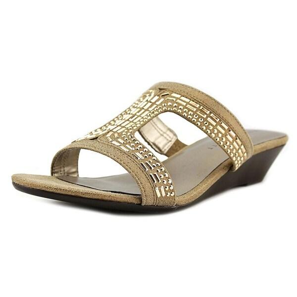 Karen Scott Seryne Women Champagne Sandals