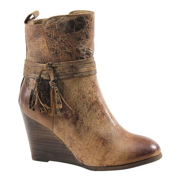 877c9e22b83 Shop Diba True Women s Barn Storm Wedge Bootie Tan Distressed Vintage  Leather - Free Shipping Today - Overstock - 17639001