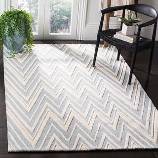 Link to Safavieh Handmade Cambridge Tinnie Modern Moroccan Wool Rug Similar Items in Transitional Rugs