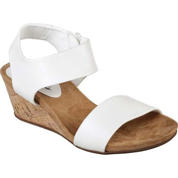 48367ad1072e Shop Skechers Women s Cool Step Wedge Sandal White - Free Shipping Today -  Overstock - 20488619