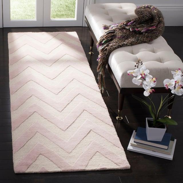 "SAFAVIEH Handmade Cambridge Rinda Modern Moroccan Wool Rug - 2'6"" x 10' Runner - Light Pink/Ivory"