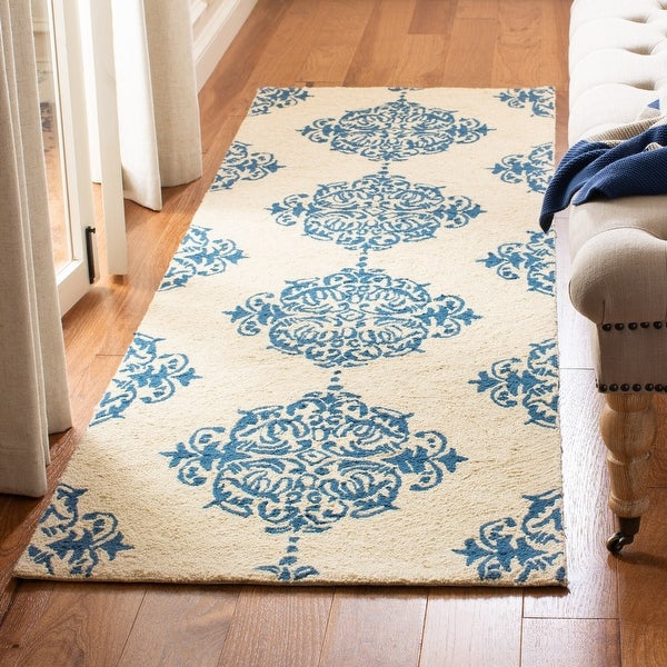 Safavieh Hand-hooked Chelsea Sharday Country Oriental Wool Rug. Opens flyout.