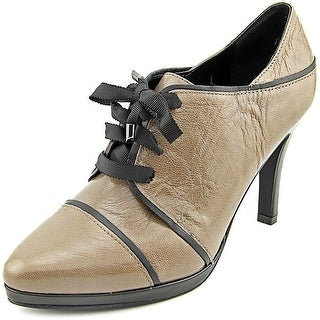 Tahari Gourmet Heeled Leather Oxford Pumps