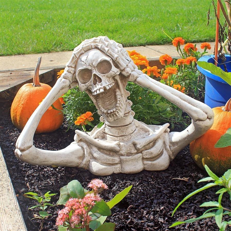 Large Shriek The Skeleton Statue