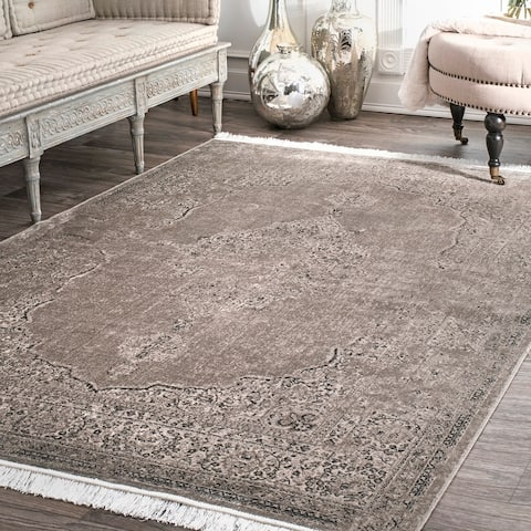 Gracewood Hollow LaFlesche Distressed Medallion Tassel Area Rug