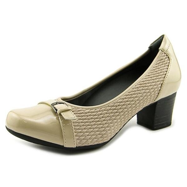 FootSmart Katie W Round Toe Synthetic Heels