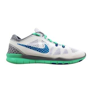 brand new b2cb0 312bc Nike Shoes   Shop our Best Clothing   Shoes Deals Online at Overstock