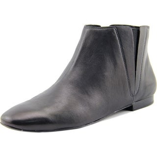 Pour La Victoire Taylor Women Round Toe Leather Black Chukka Boot