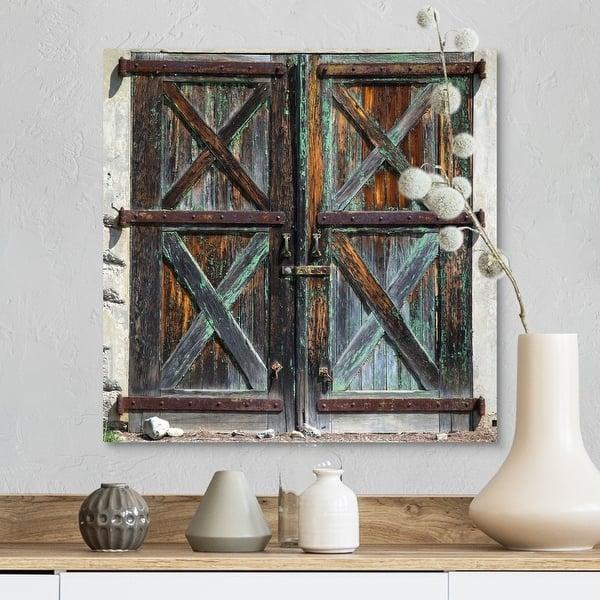 Old Rustic Barn Doors Canvas Wall Art